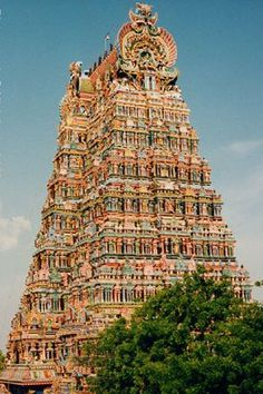 Meenakshi Temple (Madurai City, India), covered in over a thousand sudhai figures