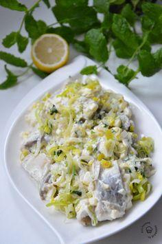 Śledzie w sosie porowym - KulinarnePrzeboje.pl Fried Rice, Fries, Salads, Food And Drink, Appetizers, Tasty, Dishes, Cooking, Ethnic Recipes