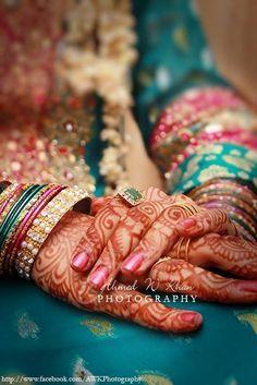 Ahmed-W-Khan-Stunning-Party-Bridal-Mehndi-Design-Shoot-2012-