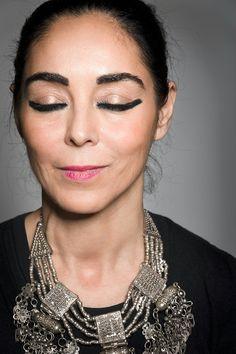 Die Regisseurin Shirin Neshat hat mit WOMEN WITHOU MEN ihren ersten Spielfilm gedreht. Dafür hat sie den Silbernen Löwen für die Beste Regie in Venedig erhalten.