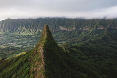 Jutting out of a tropical rainforest like a shark fin Olomana Ahiki. Oahu Hawaii. [OC][6016x4016]
