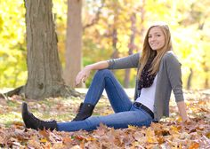 Senior Portrait / Photo / Picture Idea - Girls - Fall