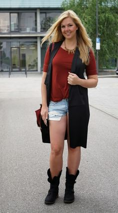 New post on my blog: Strech the vest http://www.glamfizz.de #fashion #blogger #long #vest #ootd
