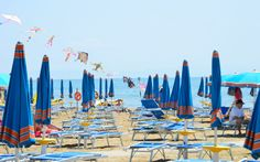 Das typische Bild vom Hausmeisterstrand Lignano © Elisabeth Hotter Hotels, Strand, Fair Grounds, Fun, Travel, Family Vacations, Destinations, Viajes, Pictures