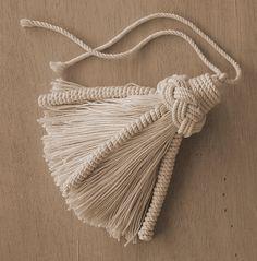 A simple turkshead Tassel with torsades