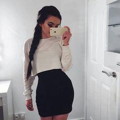 Sexy y casual con un solo outfit. by alissa Skirt Outfits, Fall Outfits, Cute Outfits, Sexy Casual Outfits, Look Fashion, Fashion Outfits, Womens Fashion, Fashion Tips, Feminine Fashion