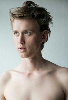 "linneaxskam: """"Henrik for Team Models "" "" Skam Cast, Isak & Even, Team Models, Cute Gay Couples, Nerd, Dream Boy, Photoshop, Interesting Faces, Guys And Girls"