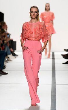 Elie Saab at Paris Fashion Week Spring 2014 - Runway Photos Style Couture, Couture Mode, Couture Fashion, Runway Fashion, Fashion Week Paris, High Fashion, Fashion Show, Fashion Design, Spring Fashion