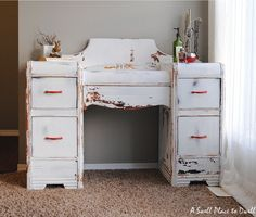 A Swell Place to Dwell: Milk Paint Dressing Table