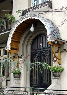 Neo-Romanian style doorway, Bucharest