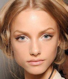"""No make-up look"" with discreet makeup!-""No make-up look"" avec un maquillage discret! discreet makeup with blue eyes, pale pink lips - Natural Wedding Makeup, Wedding Makeup Looks, Bridal Makeup, Natural Makeup, Natural Glow, Simple Makeup, Bronze Makeup, Blue Eye Makeup, Makeup Light"