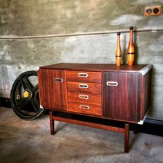 How's this little beauty ? #retro #vintagedesign #sideboard