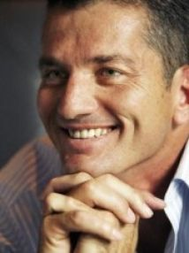 Joost van der Westhuizen was best known for being captain of the Vodacom Blue Bulls Super 12 in 2002 and He had a stint as television interviewer on kykNET, co-presenting with his ex-wife Amor. Feb 2017, Ex Wives, Real Men, Rugby, South Africa, Handsome, Van, Sport, Portrait