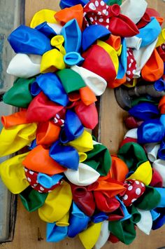 Party Tutorials - Balloon Wreath Tutorial - Kara's Party Ideas - The Place for All Things Party