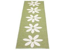 Kunststoffteppich Lilo in oliv mit weissen Blumen von Pappelina