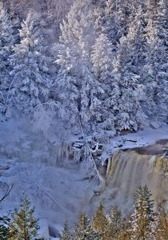 Blackwater Falls captured at 15 degrees below zero on1/7/ 2014. BEAUTIFUL