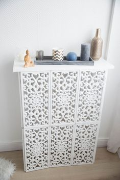 Radiator cover with action screens - - Diy Sofa, Furniture Makeover, Furniture Decor, Decoration Palette, Newport House, Thai House, Radiator Cover, Diy Tv, Living Room Remodel