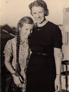 My grandmother Maria with my mother Lita von Schulmann in summer of 1941 in Posen/Poznan Old Family Photos, Old Photos, Couple Photos, My Grandmother, My Family, Old Things, Couples, Summer, Collection