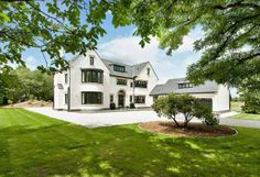 6 bedroom detached house for sale in Hall Lane,Little - Rightmove Rendered Houses, Octagon House, My Ideal Home, Exterior Remodel, Dream House Exterior, Country House Plans, House Extensions, Dream Home Design, Classic House