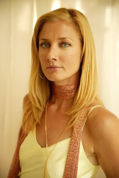 Joely Richardson (England) Younger sister of Natasha Richardson. In recent years gave knock-out performances in Nip/Tuck & The Tudors. Another solid gold actor from the acclaimed acting tribe. Natasha Richardson, Joely Richardson, Anne Curtis, Husband Best Friend, Vanessa Redgrave, Hollywood, Beautiful People, Beauty, Style
