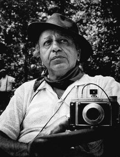 Yousuf Karsh, CC (Armenian: December 1908 – July was an Armenian-Canadian portrait photographer. Famous Portrait Photographers, Great Photographers, Royal Photography, Portrait Photography, Yousuf Karsh, Jeanloup Sieff, The Dark Side, Black And White Portraits, Life Magazine
