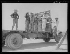 Dorothea Lange: Mexican Labor Off for the Melon Fields in the Imperial Valley (Getty Museum) Dorothea Lange Photography, Dust Bowl, Mexican American, American Life, Mexican Art, Getty Museum, Mexicans, Famous Photographers, Black And White Photography