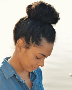@karinabaileyrae | high bun. Length retention hairstyles. Protective hairstyles. Low manipulation hairstyles. Preserve those ends.