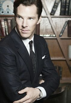 Benedict Cumberbach Age 40 height 1,83 / England