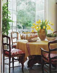 My Faux French Chateau: Favorite French Things Friday - Antique Confit Pots (Pots de Confit) Always wanted a yellow and white kitchen and the pillows are awesome French Country Dining, French Country Cottage, French Country Style, Country Charm, French Decor, French Country Decorating, Provence Kitchen, French Chairs, Mellow Yellow