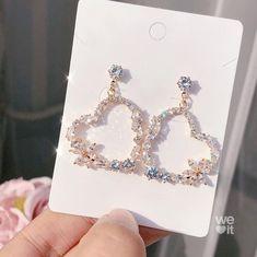 Image in jewelery collection by Shan on We Heart It Jewelry Design Earrings, Ear Jewelry, Cute Earrings, Cute Jewelry, Fashion Earrings, Jewelry Accessories, Fashion Jewelry, Dangle Earrings, Diamond Earrings