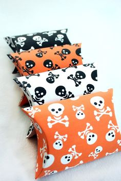 Skull and Crossbones Printable Pillow Boxes Set Print as Many as you like