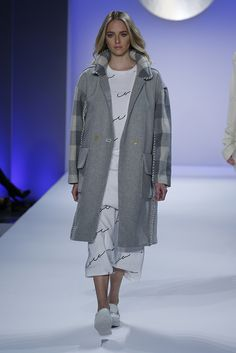 A look from Jung Eui Coco Lee. LKnits.com