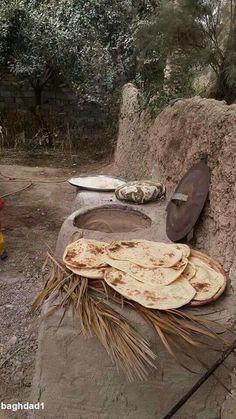 Hot Bread by elbadryekareem Baghdad Iraq, Bagdad, Jerusalem Israel, Kurdistan, The Old Days, World Cultures, Old Photos, Egypt, Cool Pictures