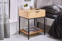 Dizajnový malý stolík z dubového dreva a kovu. Night Table, Entryway Bench, Nightstand, Room Decor, Bedroom, Modern, Furniture, Tables, Decorations