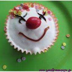 ... auf Pinterest Lustiger Kuchen, Geburtstagskuchen und Kuchen