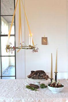Simplicity. Pinecones. DIY hanging advent wreath.