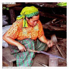 MADDAKKO  Woman blacksmith