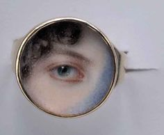 poboh:  Eye of Maria Miles Heyward, ca 1802, Edward Greene Malbone. American Miniaturist (1777 - 1807) Watercolor on Ivory set in a Gold Ring. (3/8 in / 1 cm)