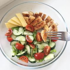 My light lunch consisted of chicken in sauce - Lunch Snacks Healthy Meal Prep, Healthy Snacks, Healthy Eating, Healthy Recipes, Diet Recipes, Healthy Tips, Lunch Snacks, Shrimp Recipes, Turkey Recipes
