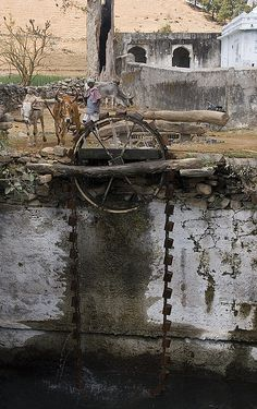 Water wheel in Rajasthan … Old Grist Mill, Hydroelectric Power, Water Wheels, New Year Pictures, Murcia, Water Powers, Water Mill, Beautiful Castles, Mechanical Design