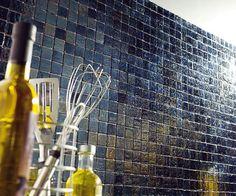 Une crédence de cuisine en mosaïque adhésive