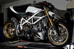 Ducati streetfighter custom by Damian