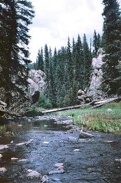 Jemez River by Mirii Elizabeth, via Flickr | New Mexico, USA