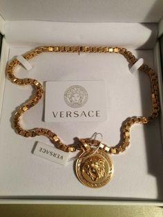 Cute Jewelry, Gold Jewelry, Jewelry Accessories, Fashion Accessories, Fashion Jewelry, Women Jewelry, Versace Jewelry, Luxury Jewelry, Versace Necklace