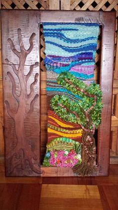 telar de muro realizado con lana 100% de oveja septiembre 2014 Pin Weaving, Weaving Art, Weaving Patterns, Tapestry Weaving, Loom Weaving, Basket Weaving, Yarn Painting, Weaving Projects, Tear