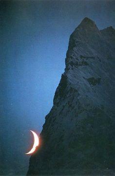 Rad shot of the moon.