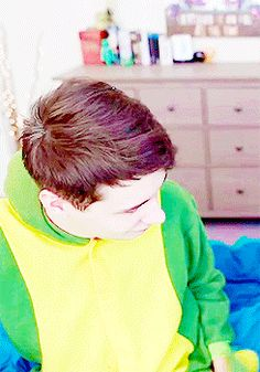 dan fiddling with his tail, glad he got to keep his onesie Daniel James Howell, Dan Howell, Tabinof, Phan Is Real, Dan And Phill, Phil 3, Danisnotonfire And Amazingphil, Tyler Oakley, Phil Lester