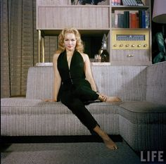 {Julie Newmar, 1958} seriously pretty.