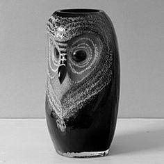 safari owl black glass large vase by mats jonasson