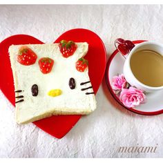 Strawberries & Hello Kitty toast art by maiami (@maiamichan810)